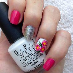 OPI TRES CHIC 2015 'Strawberry Margarita'