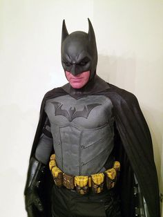 bat,man-Bat in the suns, Batman outfit! 🦇🦇🦇🦇🦇🦇🦇batmanadventures bat man batman legobatman robin batgirl w Batman Comic Art, Batman And Superman, Batman Stuff, Batman Robin, Kevin Porter, Batman Concept, Detective, Superhero Suits, Batman Cosplay