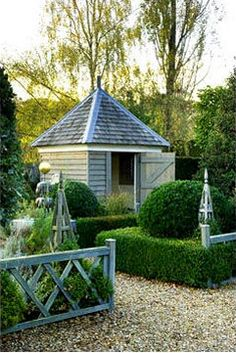 Considering a garden shed? Thinking about building it yourself? Then before you embark on your project make sure you have a reliable shed plan for the design you have in mind. Building your own shed can without doubt cut costs but Outdoor Rooms, Outdoor Gardens, Outdoor Living, Modern Gardens, Garden Buildings, Garden Structures, Shed Design, Garden Design, Verge