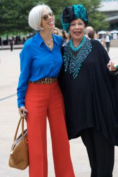 That's Not My Age: Ari Seth Cohen talks about the Advanced Style Book-the lady on the right reminds me of my aunt Dorothy. Mature Fashion, Fashion Over 50, Style And Grace, My Style, Beautiful Old Woman, Ageless Beauty, Advanced Style, Trends 2018, Old Women