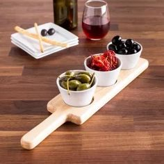 Arrange a delicious spread of appetizers at your next dinner party with our Glenmore Bowls with Wood Tray Set. Featuring 3 porcelain bowls and a paddle board, this set serves up snacks in style. Wooden Platters, Wood Tray, Serving Board, Serving Dishes, Palette Deco, Coffee Shop Design, Wood Cutting Boards, Wooden Crafts, Wood Projects