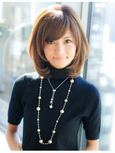 アフロート ジャパン AFLOAT JAPAN トップにボリューム加え小顔似合わせミディアムヘア Short Layered Bob Haircuts, Haircuts For Medium Hair, Short Hair Cuts, Medium Hair Styles, Curly Hair Styles, Short Bangs, Above Shoulder Hair, Shoulder Length Hair, Androgynous Haircut