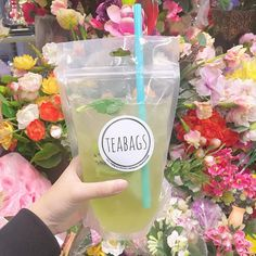 Freeze to sell at events or on the water Beverage Packaging, Food Packaging, Juice Menu, Cooking Recipes, Healthy Recipes, Cafe Food, Bubble Tea, Aesthetic Food, Korean Food