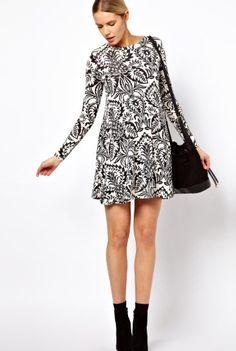 Vestido bicolor ideal para un look premamá muy juvenil