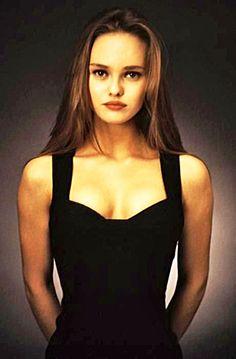 Vanessa belle à mourir pour dans les années 80 @fabrizio Vanessa Paradis, Alana Champion, Lily Rose Melody Depp, Rebecca Romijn, 90s Fashion, Portrait, Female Models, Beautiful People, Beautiful Ladies