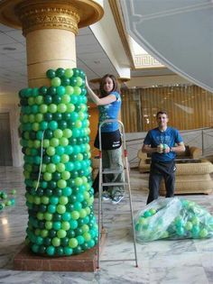 VISITOR QUESTION: I would like to know how to do a balloon column using a column already in the room. >> Click the image to learn about an easy way for wrapping a pillar with balloons! Balloon Wall, Balloon Arch, Balloon Garland, Balloon Ideas, Air Balloon, Homecoming Decorations, Wedding Decorations, Ballon Column, Balloon Pillars