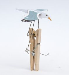 Here's a fun project to make from items you can find around the home. Turn the handle on this Seagull and the wings flap powered by the paperclip crankshaft. You can download and print out a …