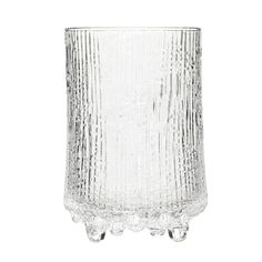 Ultima Thule highball glasses are part of Iittala's iconic glassware range created in 1968 by Tapio Wirkkala. The inspiration for the collection was found from the melting spring ice of Northern Finland. Andermatt, Lappland, Design Bestseller, Highball Glass, Vintage Kitchen Decor, Glass Design, Long Island, Mojito, Boutique