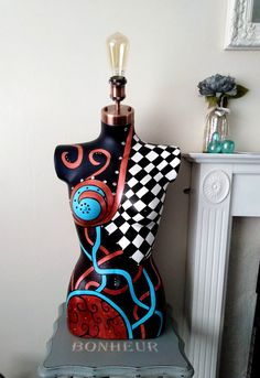 Sculpture Art, Sculptures, Mosaic Vase, Window Display Design, Mannequin Heads, Crochet Woman, Funky Furniture, Female Form, Lampshades