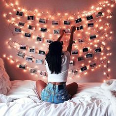 Room decor - Creative diy bohemian style home decor ideas 36 Cute Room Ideas, Cute Room Decor, Teen Room Decor, Room Decor With Lights, Bedroom Decor Lights, Bedroom Fairy Lights, Twinkle Lights Bedroom, Picture Room Decor, Light Picture Wall
