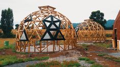 Yurt Home, Outside Fire Pits, Geodesic Dome Homes, Dome House, Round House, Construction, Permaculture, Outdoor Gear, Tiny House