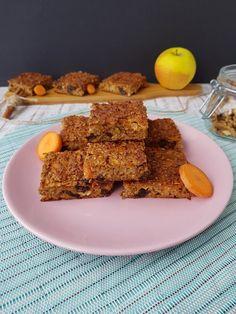 Prajitura cu morcovi si fulgi de ovaz Healthy Sweets, Cereal, Cookies, Breakfast, Desserts, Food, Vegan, Banana, Crack Crackers