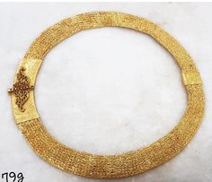 Looking to buy jewellery at affordable price? Here is a brand that sells all sort of jewellery in budget! Ancient Jewelry, Antique Jewelry, Gold Jewelry, Jewelery, Kerala Jewellery, Indian Jewelry, Gold Choker, Gold Necklace, Gold Pattern