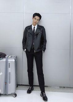Cre : on pic Nct 127, Winwin, Taeyong, Jaehyun, Kim Dong Young, Yuta, Korea, Nct Doyoung, Tsundere