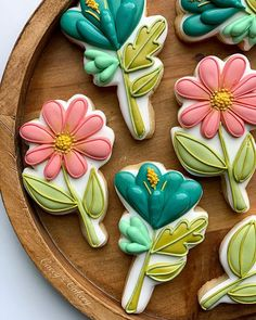 Flower Sugar Cookies, Leaf Cookies, Tree Cookies, Spice Cookies, Easter Cookies, Crazy Cookies, Fancy Cookies, Royal Icing Cookies, Cupcake Cookies