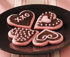 Recipe: Strawberry Valentine Cookies with a delicious chocolate glaze