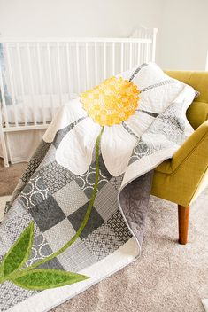 Daisy Quilt for Toddlers Gray and Yellow Quilt For Girl