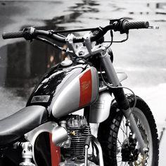 Wooow ✌ ⚡️Have a project? Join - link in bio⚡️ ➖➖➖➖➖➖➖➖➖➖➖ Via ➖➖➖➖➖➖➖➖➖➖➖ ➖➖➖➖➖➖➖➖➖➖➖ Honda Scrambler, Honda Ruckus, Cafe Racer Honda, Cafe Racer Bikes, Cafe Racer Motorcycle, Moto Bike, Cafe Racers, Yamaha, Cool Motorcycles