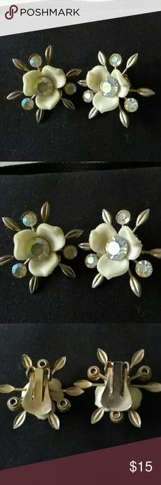 Vintage Clip On Earrings Vintage Clip on flower earrings / open to reasonable offers. Jewelry Earrings