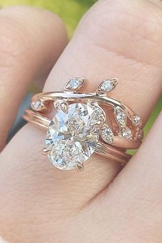wow these unique wedding rings are really gorgeous Pin# 7294474215 Fire Opal Engagement Ring, Classic Engagement Rings, Engagement Ring Cuts, Expensive Engagement Rings, Expensive Wedding Rings, Camo Wedding Rings, Wedding Rings Teardrop, Princess Cut Rings, Princess Cut Engagement Rings