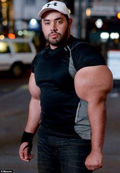 """""""Popeye"""" El egipcio que tiene los bíceps más grandes del mundo"""