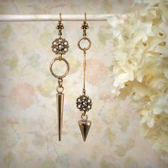 Gold Asymmetrical Earrings Solid Natural Bronze Dagger Earrings Sleek Minimalist Festival Jewelry Mismatch Earrings Gold Spike Earrings, by MiaMontgomery at Etsy Boho Earrings, Chandelier Earrings, Drop Earrings, Antique Metal, Jewelry Art, Jewelry Design, Jewelry Ideas, Jewellery, Handmade Jewelry