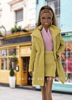 "This beauty is the ""City shopper"" Barbie (X8257). She's really cool. Though I usually loose the hair of all my dolls, I like very much her ..."