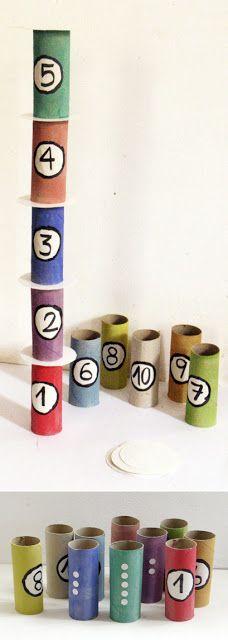 Sjov idé f.eks. til træning af nummerrækkefølger. Idéen er grebet her.Andre idéer til anvendelse:Med bogstaver på rullerne i stedet for tal, ku' man bygge flotte ordtårne – Hvem kan byg…