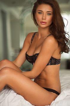 Natalya - female model at Le Management