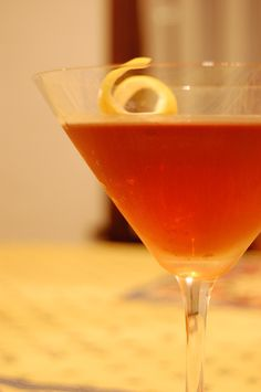 New 1920 Cocktail (Rye whiskey, French vermouth, Italian vermouth, orange bitters)