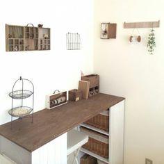 作業デスク Desks For Small Spaces, Small Living Rooms, Home Living Room, Interior Decorating, Interior Design, Deco Furniture, My Room, House Styles, Baby Ideas