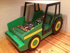 This tractor-themed bed for a kid who dreams of the country.