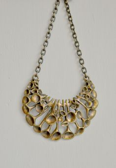 Hannu Ikonen Bronze c. Modern Jewelry, Jewelry Art, Vintage Jewelry, Handmade Jewelry, Jewelry Design, Bronze Jewelry, Cool Necklaces, Jewelry Making, Vintage Modern