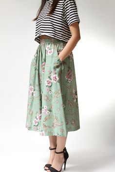 vintage 1970s skirt | Allie Midi Floral Skirt | http://www.etsy.com/shop/twistedmoss