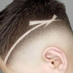 Este posibil ca imaginea să conţină: unul sau mai mulţi oameni Undercut Hairstyles Women, Cool Hairstyles For Men, Hairstyles Haircuts, Haircuts For Men, Haircut Designs For Men, Shaved Hair Designs, Hair Removal Methods, Hair Tattoos, Hair Art