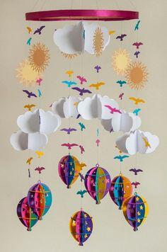 Wolke, Heißluftballons, Sonne und Vögel als Motive #suspensionhanging (suspension hanging) Paper Mobile, Mobile Art, Hanging Mobile, Kids Crafts, Diy And Crafts, Craft Projects, Arts And Crafts, Craft Ideas, Baby Crafts