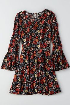 The new bohemian: Go for a romantic, boho vibe in this flowy dress. Featuring a keyhole back and bell sleeve details. Shop the AEO Bell Sleeve Dress from American Eagle Outfitters. Check out the entire American Eagle Outfitters website to find the best items to pair with the AEO Bell Sleeve Dress .