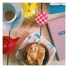 Grannnn desayuno en #vacacionesbar en #Malasaña #Madrid #malasañamola  #foodie #gourmet #gastronomy #gastronomía #Gastro #ilovefood #lovefood #gastroteca #gastrofood #yummy #foodcoma #foodporn #instafood #instagood #foodies #followme #blog #blogger #gastroblog #yumyumy by entrepintxos