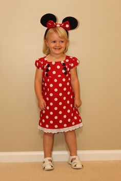 Tutorial for the dress. Free pattern. http://www.craftinessisnotoptional.com/2011/07/junebug-dress-sew-along-part-1-pattern.html