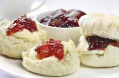 Scones - Heavenly Treat for Tea time! Recipe, nothing like a lovely light scone with jam and clotted cream, yum!evon Scones - Heavenly Treat for Tea time! Recipe, nothing like a lovely light scone with jam and clotted cream, yum! British Scones, English Scones, Cream Tea, Clotted Cream, Whipped Cream, Kebabs, How To Make Scones, Tapas, Sourdough Recipes