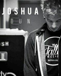 Josh Dun // Twenty One Pilots Tyler Joseph, Tyler Y Josh, Twenty One Pilots, Josh Dun, Dj Spooky, Joshua William Dun, Bae, Troye Sivan, Staying Alive