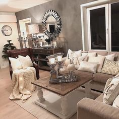 Flott #salongbord fea @classicliving hos @carinascasa #inspire_me_home_decor #kava_interior #lovely_interiors #livingroominspo #wonderfulrooms #the_real_houses_of_ig #lovelyinterior #classyinteriors #inspohome #ninterior #mm_interior #vakrehjem #interiorwarrior #finehjem #hem_inspiration #shabbyyhomes #charminghomes #passion4interior #interior123 #interior444 #interior4all #interiorharmoni #interior125 #interior_and_living #interiorandhome #interior_design #interiormagasinet #interior4you1