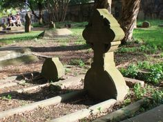 Newtown Cemetery - lovely use of shadowing