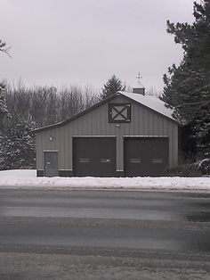 Barns with living quarters framing up two story shop for Barn pros nationwide