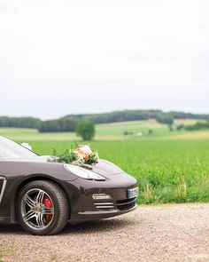 Awesome car... Nothing is enough for a princess  #wedding #Porsche #weddingcar #pinit