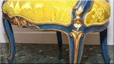 festett barokk stílusú bútor Vanity Bench, Table, Furniture, Home Decor, Antique Furniture, Decoration Home, Room Decor, Tables, Home Furnishings
