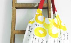 Genäht: Charlie Bag Einkaufstasche   statt die Träger zuzuschneiden habe ich Gurtband eingenäht. Dadurch verringert sich der Stoffverbrauch enorm!   DIY
