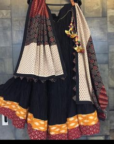 Choli Designs, Lehenga Designs, Choli Blouse Design, Half Saree Designs, Garba Dress, Navratri Dress, Lehnga Dress, Indian Designer Outfits, Indian Outfits