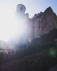 #blurry #blarneycastle #blarney #sun #irish #ireland #photo #photography #aupair #aupairlife #olympuscamera #blarneystone #lighting #light #sunlight #lightphotography #blarneygardens #rocks #rock