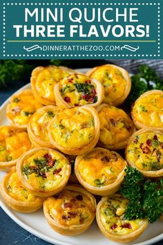 A plate of mini quiche filled with meats, vegetables and cheeses. Elegant Appetizers, Yummy Appetizers, Appetizer Recipes, Best Breakfast Recipes, Brunch Recipes, Homemade Breakfast, Fall Recipes, Dinner Recipes, Mini Quiche Recipes